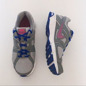 Nike downshifter 5 running shoes size 8